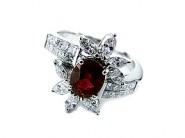 色石、宝石の買取お任せ下さい。価値あるジュエリーを専門家がしっかり評価致します。