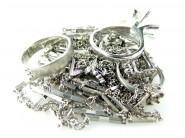 ご不要になった婚約指輪、ネックレスなどプラチナ製品を高価買取しております。